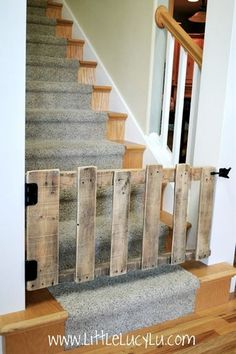 DIY : pallet stairs gate in wood with stairs pallet DIY baby gate. Something like this would work good at the basement stairs.