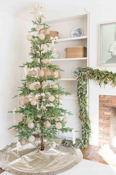 decorating a skinny tree #christmas #decorating #prelittree