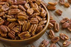 Recipe: Savory Spiced Pecans — Recipes from The Kitchn Spicy Pecans Recipe, Spiced Pecans, Roasted Pecans, Savory Spiced Nuts Recipe, Spicy Nuts, Glazed Pecans, Thanksgiving Recipes, Holiday Recipes, Holiday Foods