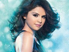 Selena Gomez is my favorite female artest !!!!:)