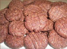 Sušenky+KOKA Slovak Recipes, Russian Recipes, Crinkles, Cookie Decorating, Sausage, Biscuits, Sweets, Cookies, Chocolate