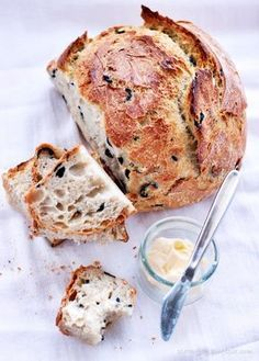 To chleb najprostszy z najprostszych. Bread Recipes, Cooking Recipes, Savory Scones, Bread Bun, Easy Bread, Bread Baking, Food Inspiration, Love Food, Food To Make