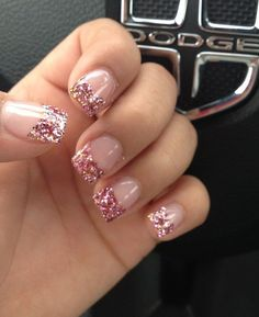 Simple-Glitter-Nail-Art-designs30.jpg (600×735)