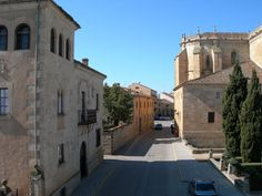 Ciudad Rodrigo, Salamanca - photo: Chemasanco - Plaza de Amayuelas http://www.panoramio.com/photo/1896180
