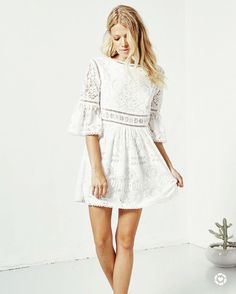 "243 mentions J'aime, 1 commentaires - Praise Wedding (@praisewedding) sur Instagram : ""Boho chic clover lace mini dress 💖 find it here: http://liketk.it/2sLwj 💖 Shop your screenshot of…"""
