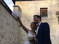 fliegende Schaumherzen verzaubern das Brautpaar