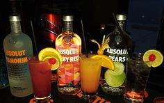 Absolut Love!!! Abslot Ruby Red with Grenadine and Orange Juice, Absolut Madras with Absolut Mandrin, Orange Juice and Cranberry Juice, Absolut Pears with sprite ( seven up).  #absolut Vodka #dresden #Highball #longdrink #Altmarkt #vodka