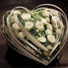 33 Beautiful Valentine& Day Flower Arrangements Ideas - Valentine& Day is a wonderful day for the ones in love. This is an occasion when they express their innermost feelings to the one who has brought gre. Valentine's Day Flower Arrangements, Funeral Floral Arrangements, Deco Floral, Arte Floral, Funeral Flowers, Wedding Flowers, Bouquet Flowers, Popular Flowers, Home Flowers
