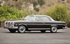 1971 Mercedes-Benz 280 SE Coupe to be auctioned off at Pebble Beach this summer. Get pre-approved with Premier Financial Services today. Mercedes 280, Mercedes Sport, Mercedes Benz Models, Classic Mercedes, Classic Trucks, Classic Cars, Benz S, Sports Sedan, Maybach