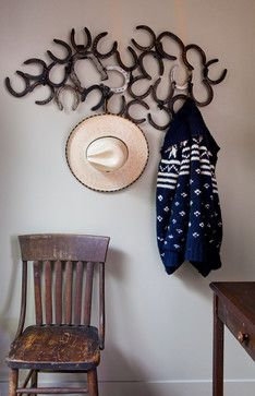decorating with old horse shoes