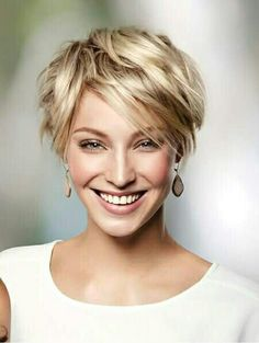 Short-Shaggy-Haircut Best Sassy Pixie Cuts 2019 Creating a new personality is as easy as pie. Just explore our list of the Best Sassy Pixie Cuts 2019 and you will become one of the gorgeous ladies Pixie Cut Blond, Shaggy Pixie Cuts, Short Shaggy Haircuts, Curly Pixie Hairstyles, Short Hairstyles For Women, Short Hair Cuts, Curly Hair Styles, Blonde Short Hair Pixie, Hairstyles Haircuts