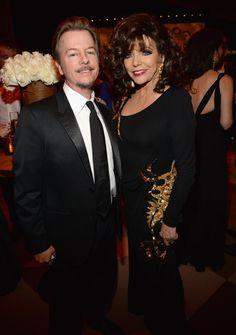 Pin for Later: Die Stars feiern ausgelassen nach den Oscars David Spade und Joan Collins