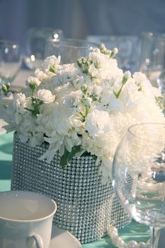 The Simply Sophisticated Events Blog: {Style Shoot} Tiffany Blue Inspired Wedding Decor
