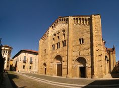 Pavia: a Medieval University Town in Lombardy