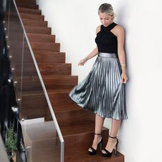 Elegant Dresses Classy, Elegant Outfit, Classy Dress, Classy Outfits, Stylish Outfits, Cool Outfits, Fashion Outfits, Womens Fashion, Pleated Skirt Outfit