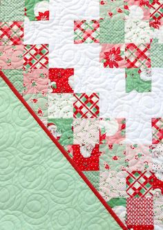 A Bright Corner: Diamond Patchwork Quilt Tutorial Charm Pack Quilt Patterns, Christmas Quilt Patterns, Quilt Patterns Free, Christmas Quilting, Christmas Sewing, Block Patterns, Free Pattern, Sewing Patterns, Scrappy Quilts