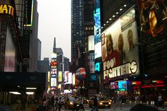 Times Square - Foo Fighters