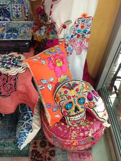 Pillows Dia de los Muertos skull. Possible need to develop embroidery skills...