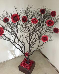 Trendy Ideas For Art Deco Wedding Decorations Diy Paper Flowers Diy Crafts Videos, Home Crafts, Diy And Crafts, Paper Crafts, Valentines Day Decorations, Valentines Diy, Christmas Decorations, Art Deco Wedding Decor, Wedding Decorations