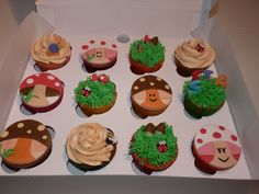 Muy orgullosos de nuestra nueva creación para un cumpleaños!! Surtido de cupcakes con distintos rellenos.