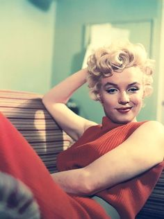 762 best Ginchiest (1950s) images on Pinterest | Cinema, Magazine covers and Black silk