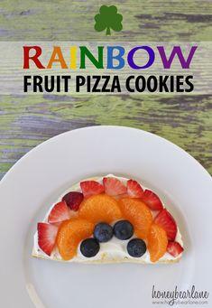 Rainbow Fruit Pizza Cookies, Honey Bear Lane, via Edible Crafts Fruit Pizza Cookies, Fruit Pizza Frosting, Fruit Pizza Bar, Fruit Pizzas, Chips Ahoy, Sugar Cookies Recipe, Cookie Recipes, Kid Recipes, Healthy Recipes