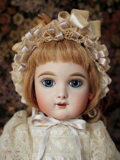 Eden bebe.Antique doll reproduction by Hiroko Saito.