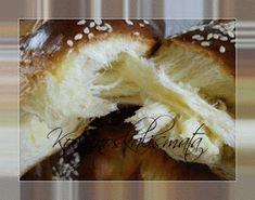 ΚουζινοΣκαλίσματα: Τσουρέκια Greek Desserts, Yummy Food, Tasty, Pastry Cake, Easter Recipes, Camembert Cheese, Bakery, Food And Drink, Sweets