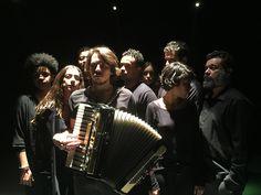"A convite do National Theatre of Scotland, o diretor Renato Rocha prepara ""Antes…"