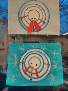 Gemaakt met groep 8. Sneeuwpop: achtergrond met wasco en waterverf. Cirkels met oliepastel en dan uitvegen.