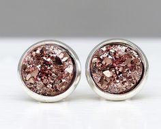 Geschenkidee für Schmuckliebhaber: Silberne Ohrstecker mit Roseornamenten / silver earrings with rose details by Traumkontor via DaWanda.com