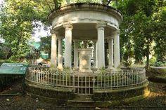 @Bogor botanical garden    Memorial to Lady Olivia Marianne Raffles, Sir Thomas Stamford Raffles spouse (died in 1814)