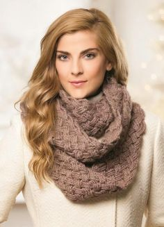 ReCrochetions: WNW: Endless Cables Cowl in Crochet!