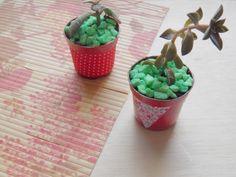 Dica de objeto decorativo: como customizar vasinhos para flores -  Blog Dona Engenhosa