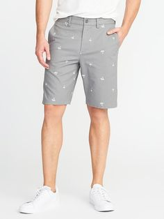 Stay cool, comfortable and on budget with men's shorts from Old Navy. Check out shorts for men in fashionable fits and styles. Casual Shorts For Men, Men Casual, Men Shorts, Clothes For Big Men, Shop Old Navy, Discount Clothing, Patterned Shorts, Slim, Style