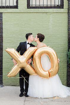 gold balloons - photo by Koman Photography http://ruffledblog.com/modern-new-york-wedding-at-501-union