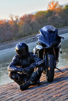 "I miss my 06... Her name was ""Rue""  Re-pinned Post:  BikePics - 2006 Suzuki GSX-R 1000"