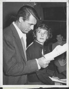 1956 Cary Grant Actor & wife Betsy Drake