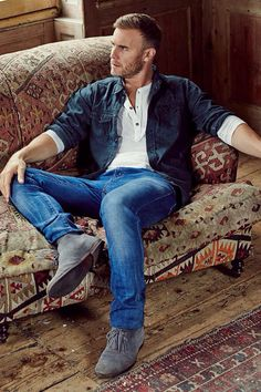 Britain's greatest songwriter, Gary Barlow, is also one of Britain's best dressed. Country Casual, Country Men, Men Casual, Casual Styles, Casual Wear, Country Concert Outfit, Country Concerts, Best Dressed Man, Sharp Dressed Man