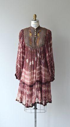 In love! | Karthikeya dress 1970s tie dye Indian cotton dress by DearGolden