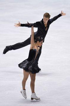 Elena Ilinykh and Nikita Katsalapov of Russia compete in the ICE Dance free program during day three of ISU Grand Prix of Figure Skating  20...