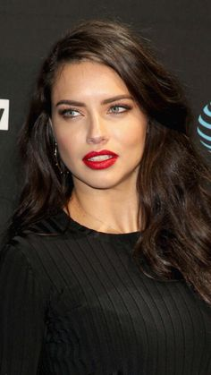 Beautiful and captivating Adriana - # - Beauty Women Adrian Lima, Undone Look, Brazilian Models, Beautiful Eyes, Pretty Face, Beauty Women, Makeup Looks, Hair Makeup, Hair Beauty