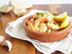 A tasty, easy garlic prawn recipe. My family loves it. Prawn Recipes, Fish Recipes, Seafood Recipes, Cooking Recipes, Healthy Recipes, Healthy Meals, Recipies, Creamy Garlic Prawns, Jelly Belly Beans