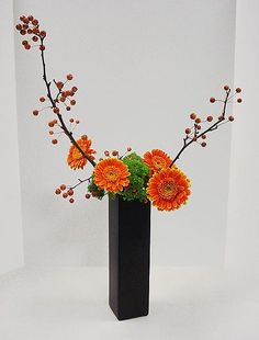 Ikebana - Nageire - Variation No. 2 - Slanting Style ~by George - Fall Class