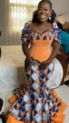 African Dresses For Kids, African Fashion Skirts, African Lace Dresses, African Fashion Designers, African Print Fashion, Africa Fashion, Kente Styles, African Attire, Kente Dress