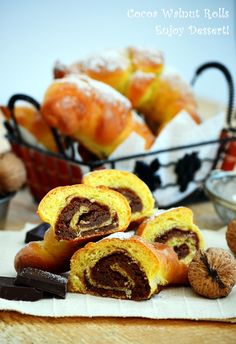 Croissants met noten en cacao pluizig Empanadas, What A Beautiful Day, Croissants, Doughnut, Muffin, Sweets, Bread, Chocolate, Breakfast