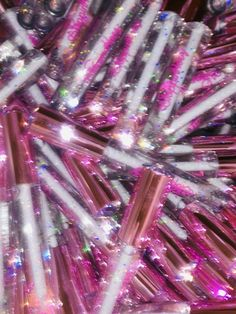 This Clear Glitter Lip gloss is packed with tons of glitter sparkles and xxxtra glossiness. Bedroom Wall Collage, Photo Wall Collage, Picture Wall, Pink Wallpaper Iphone, Aesthetic Iphone Wallpaper, Aesthetic Wallpapers, Lip Gloss Homemade, Diy Lip Gloss, Tout Rose