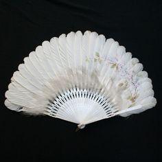 Eventail en plumes de canard peintes , fin XIXe