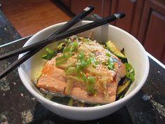 What's in the Fridge?: Simple Salmon Bowl w/ginger & buckwheat noodles! http://www.shapeupfridge.com/2013/10/salmon-bowl.html