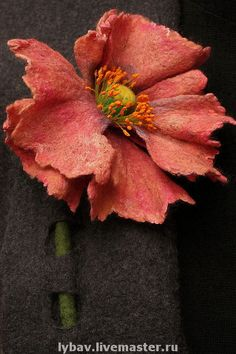 Opium / Felted Clothing Vest by LybaV on Etsy Needle Felted, Wet Felting, Felted Wool Crafts, Felt Crafts, Felt Flowers, Fabric Flowers, Felt Decorations, Felting Tutorials, Felt Brooch